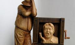 3-D шарманка или на экране все те же... - Деревянная скульптура Владимира Цепляева
