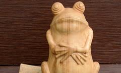 Жаба давит - Деревянная скульптура Владимира Цепляева