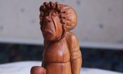 Кухарка (Алиса в Стране Чудес) - Деревянная скульптура Владимира Цепляева