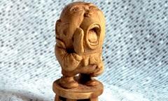 Шалтай-Болтай (Алиса в Зазеркалье) - Деревянная скульптура Владимира Цепляева
