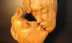 Поцелуй - Деревянная скульптура Владимира